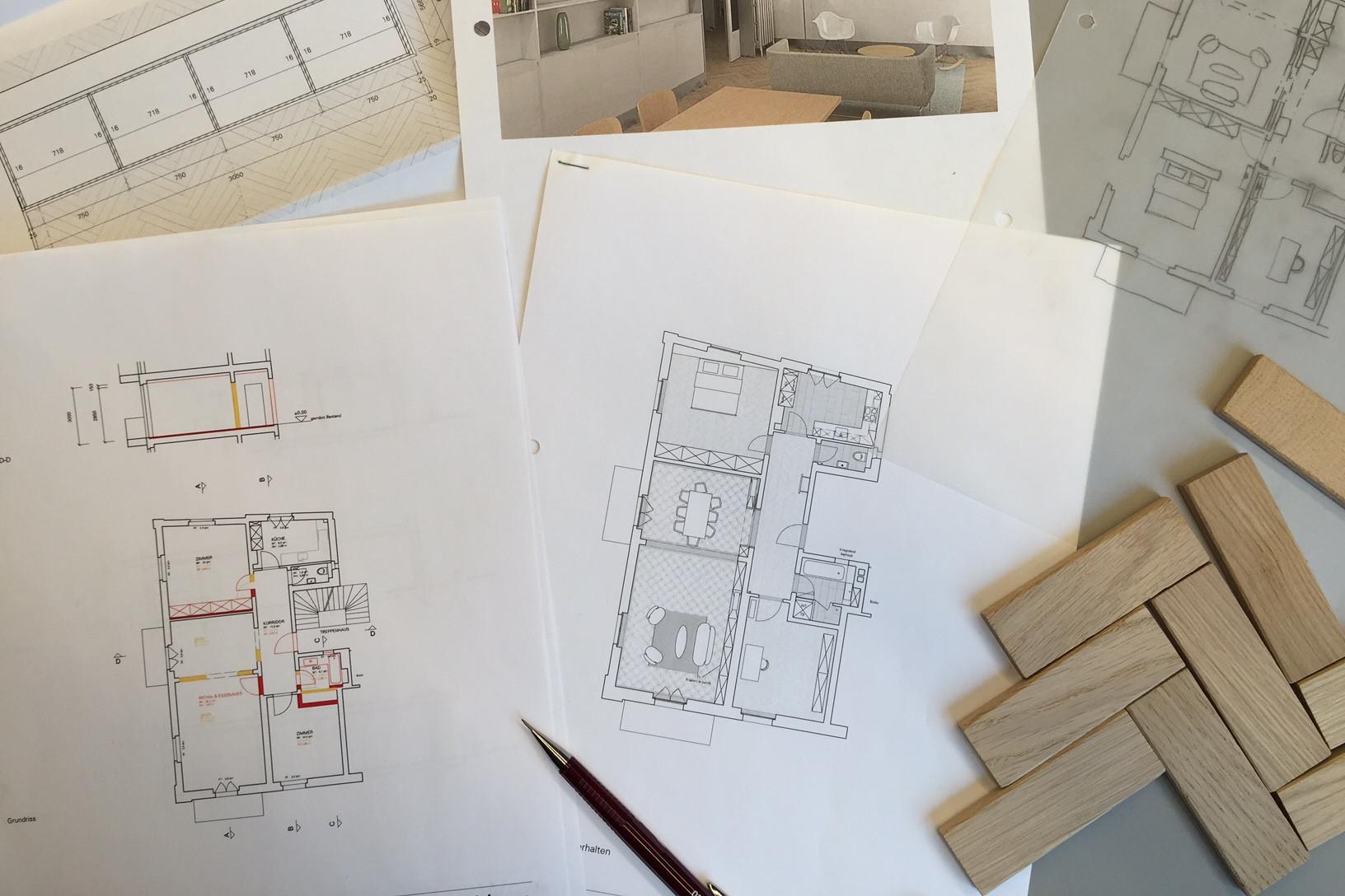 Skizzen, Materialmuster, Visualisierungen - all das gehört zur Planung