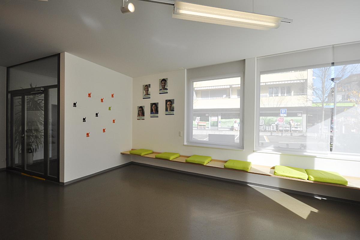 Neue Sitzbank und Garderobe