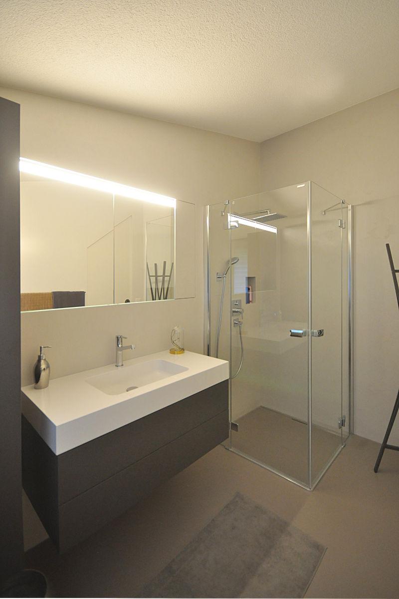 Die Dusche ist neu schwellenlos zugänglich