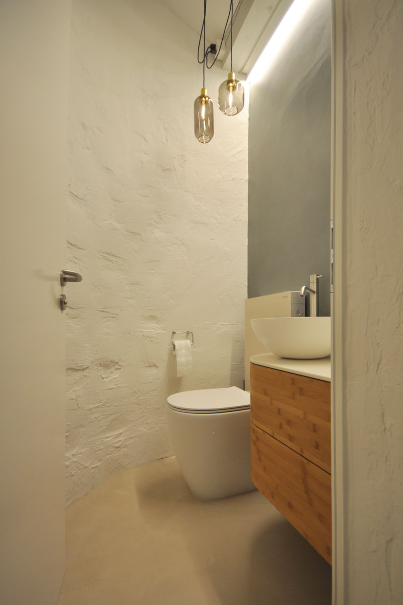Blick ins Gäste-WC mit dem neuen Waschtischmöbel