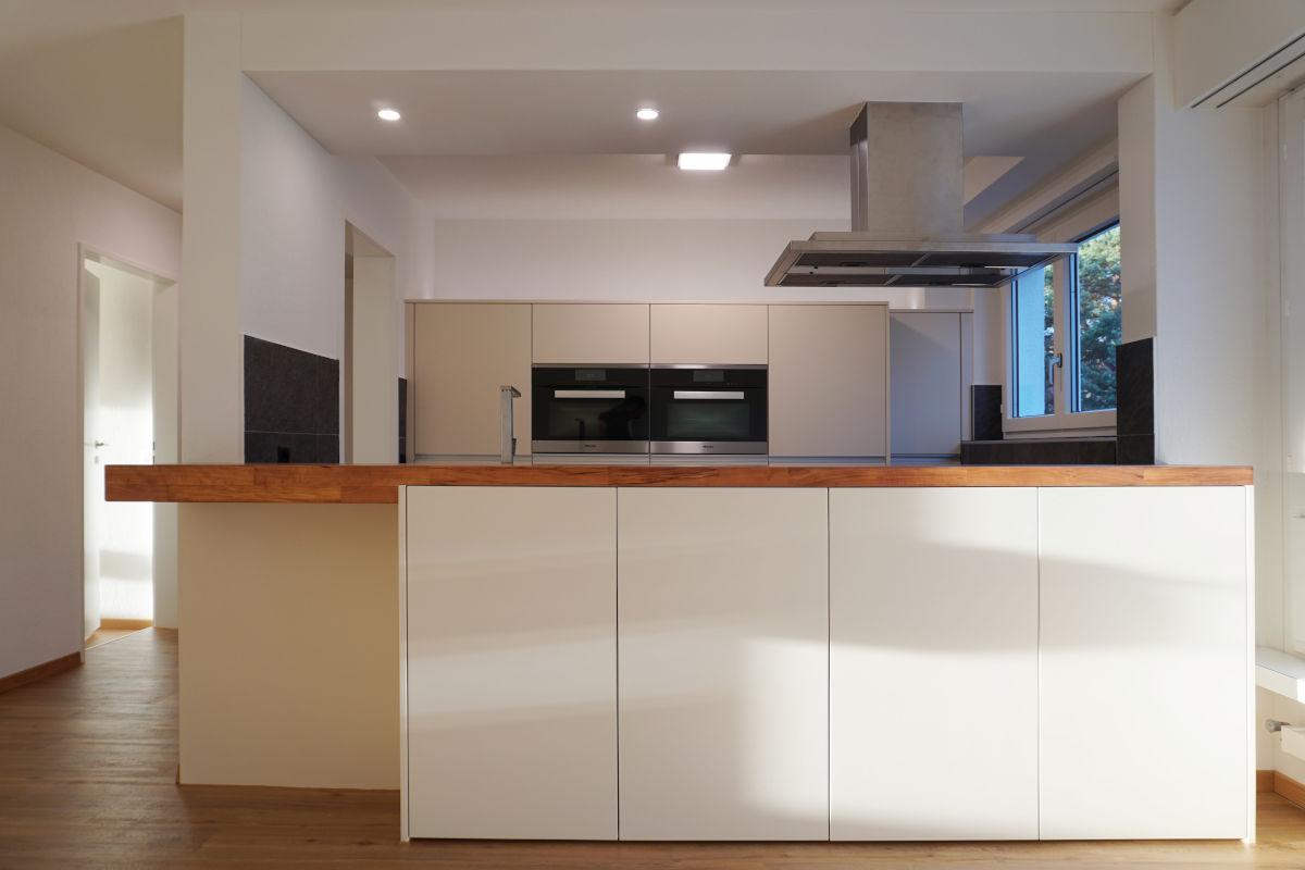 Frontalaufnahme der Küche