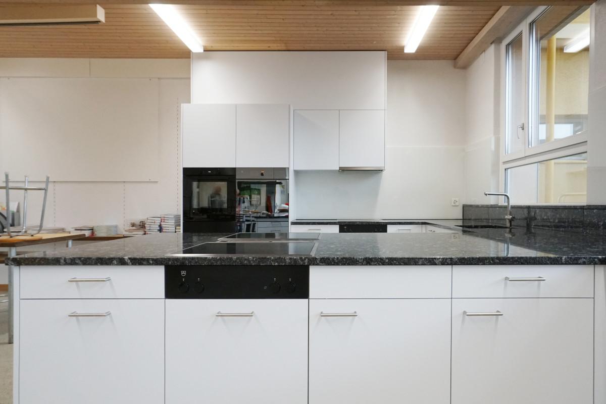 Neue Küchenschränke (kunstharzbeschichtet)