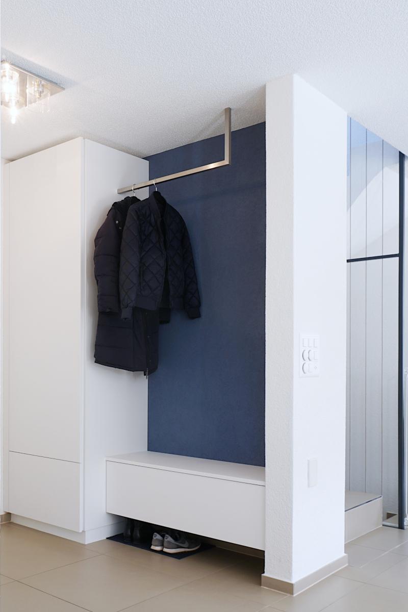 blaue Garderobe