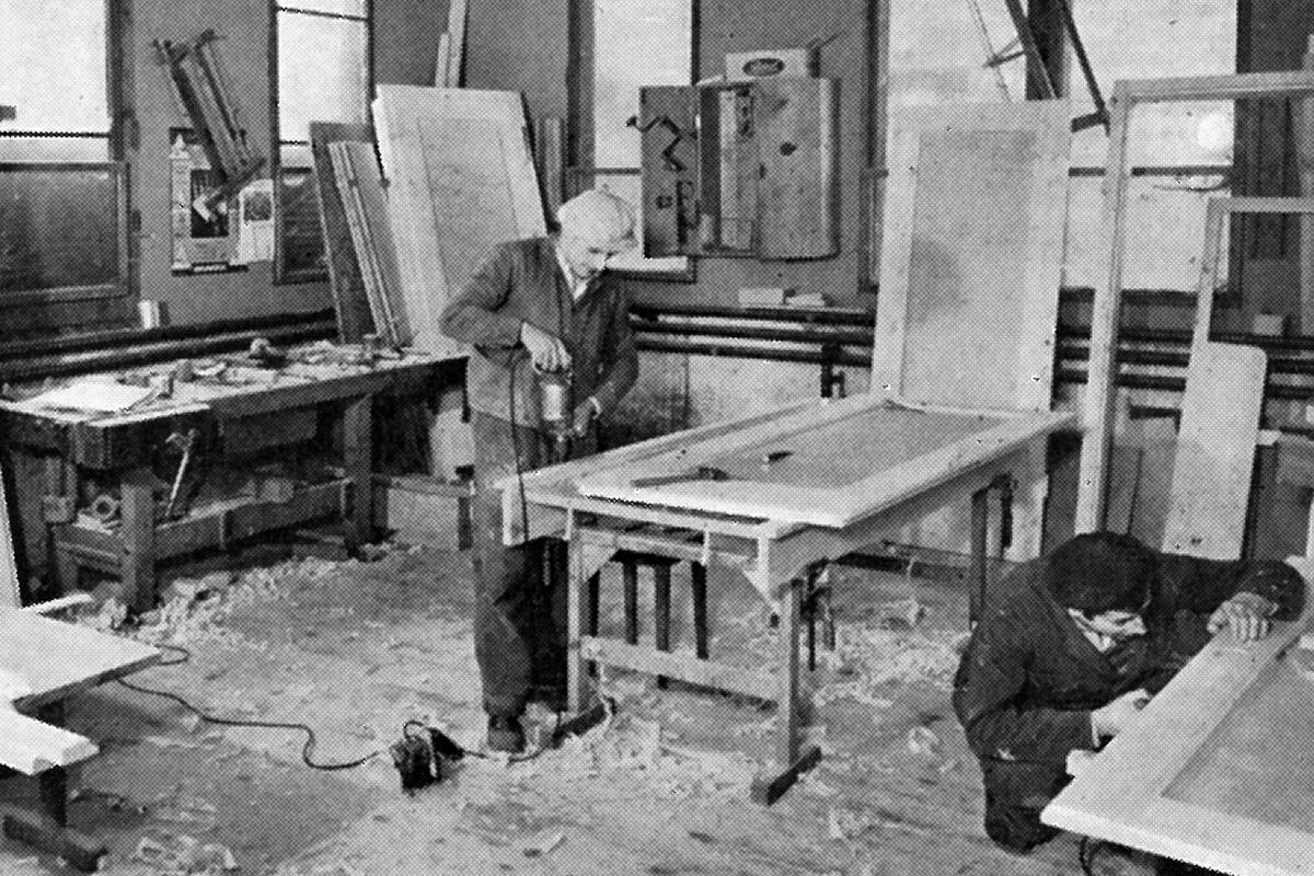 Die Schreinerei Werkstatt im Jahr 1954